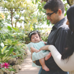 baby girl with parents at phipps